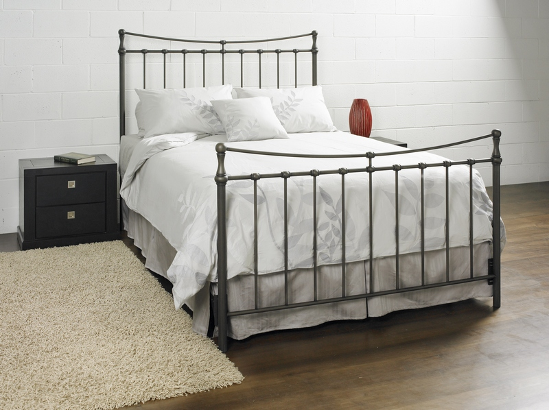 CH326 Metal Bed