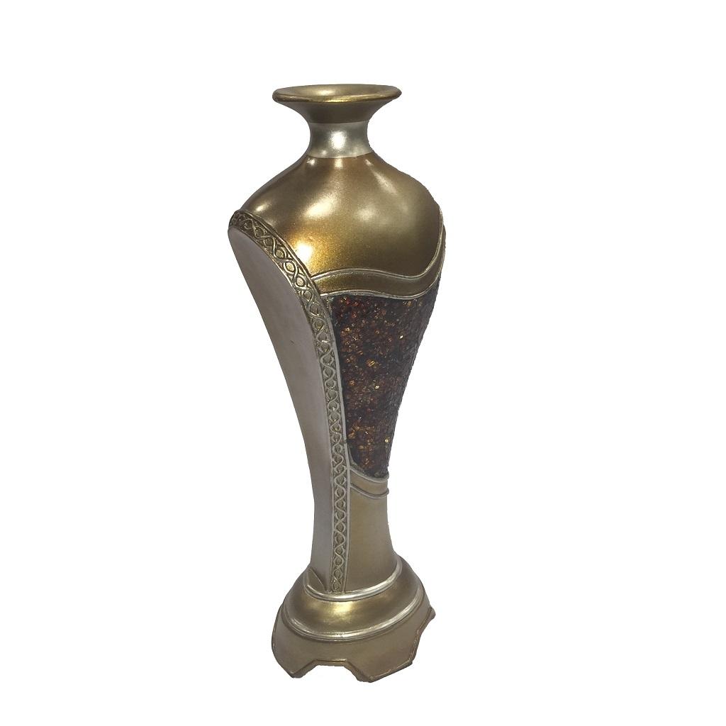 V587 Vase