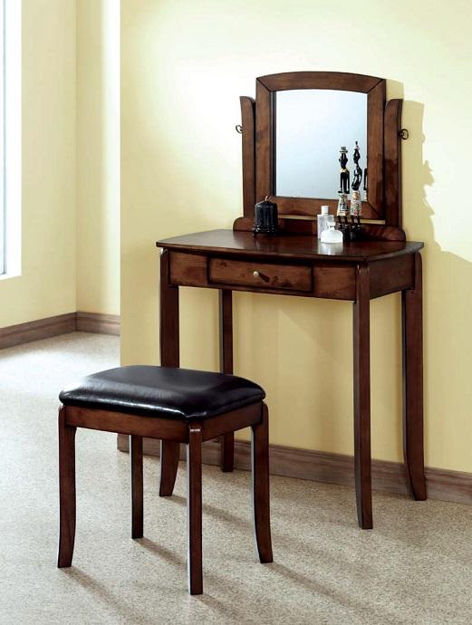I1582 Vanity Set