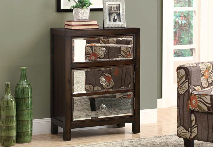 I3835 Bombay Chest