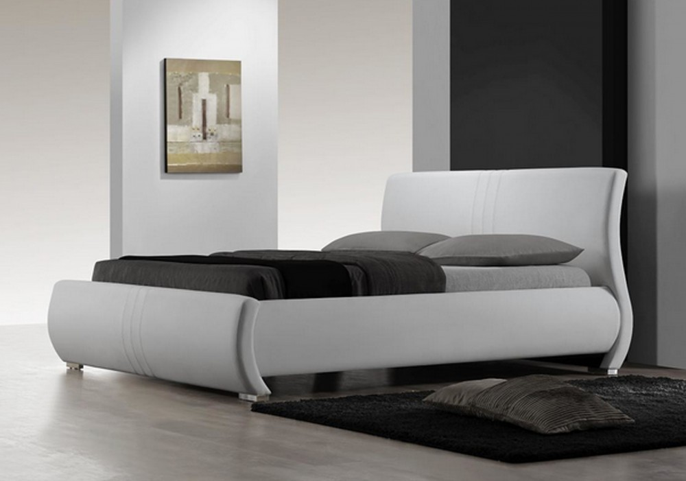 R183 Upholstered Bed